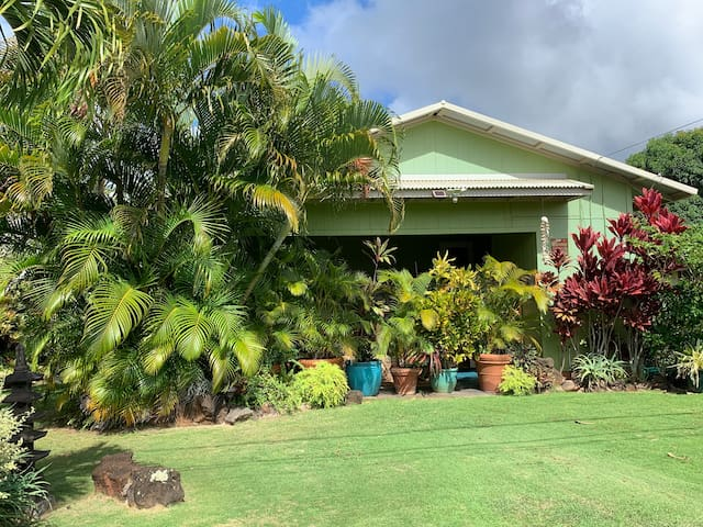Spacious and Airy Lily's Koloa Cottage: TVR #1090