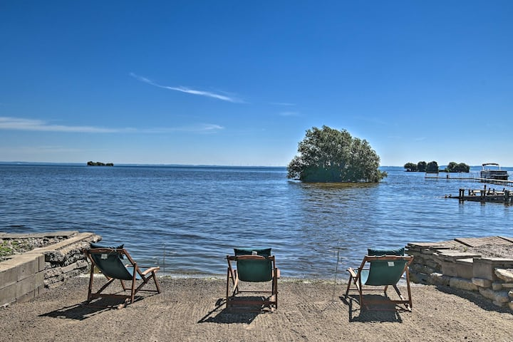 NEW! Lake Winnebago Getaway: Waterfront Family Fun