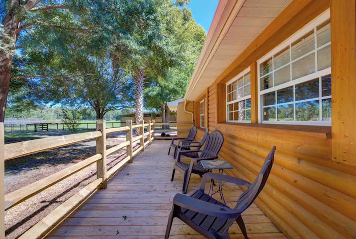 SLEEPS 8 ppl UF, HITS, RAINBOW RIVER, DEVILS DEN