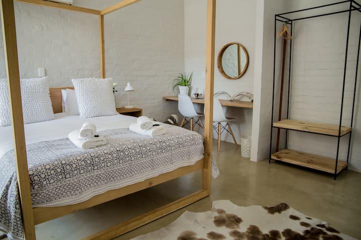 Raw Karoo Room 1