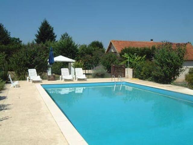 Villa 8 à 10 p. au calme près des beaux villages. - Gourdon - Ev