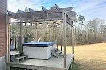 WINTER RATES-Cabin w/hot tub, 4wheeler trails.