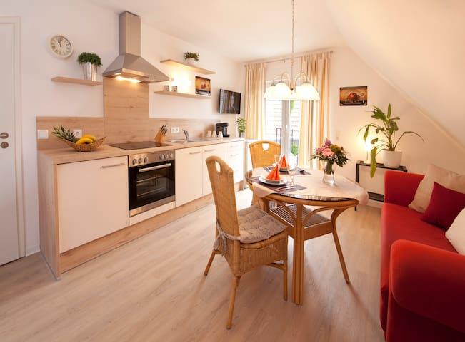Sonnige Wohnung mit Balkon in Spöck
