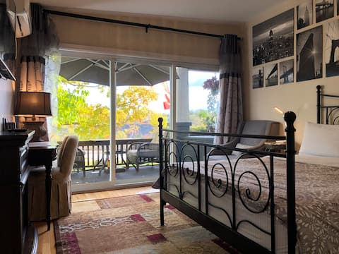 🇨🇦  Walk to Falls •••🧑🤝🧑 Entire Riverview One Bed Apt