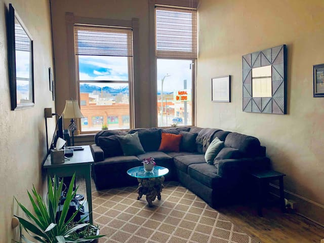 Historic Downtown Salida Loft