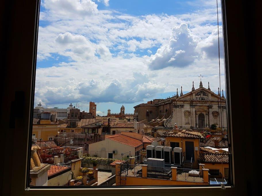 Vittoriano view and Saint Ignazio Church from the flat