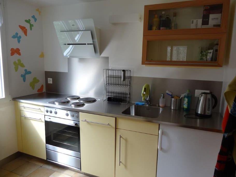 Küche, 2014 erneuert, zweckmässig eingerichtet!