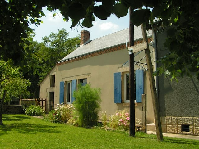 Maison de campagne en Berry - Feusines - House