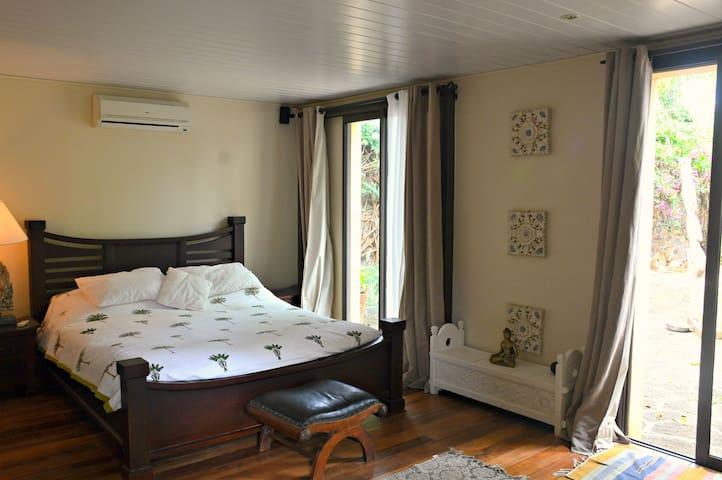 3 bedroom villa in a beautiful garden! - Calodyne - House