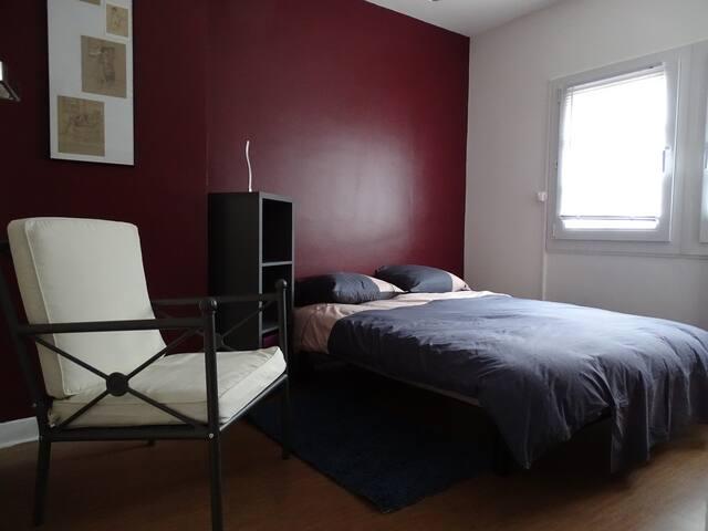 Chambre agréable, tout confort.