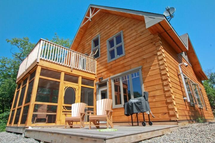Lake House Luxury accommodation