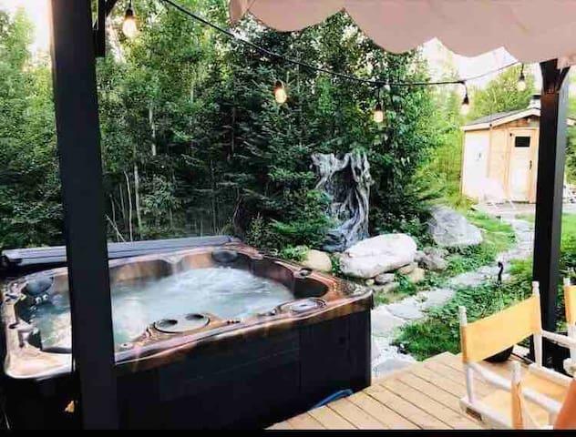 Cajuns place Come unwind ,hottub , sauna ,gym