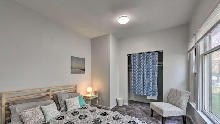 Queen Room in an adorable duplex by Powderhorn!