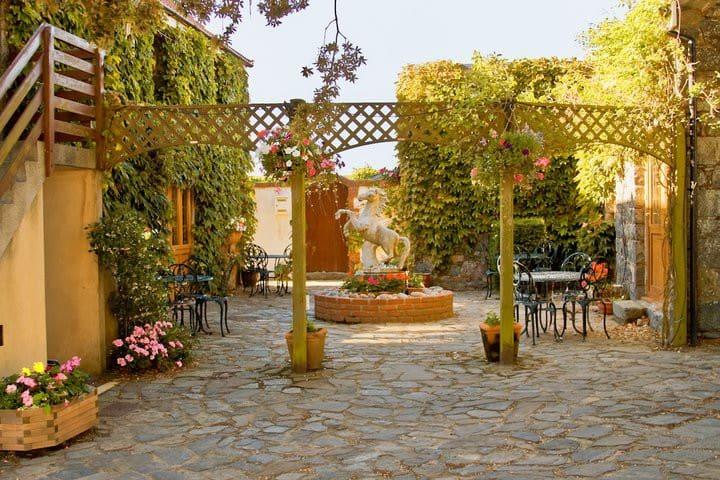 La Pointe Farm - Two bedrooms