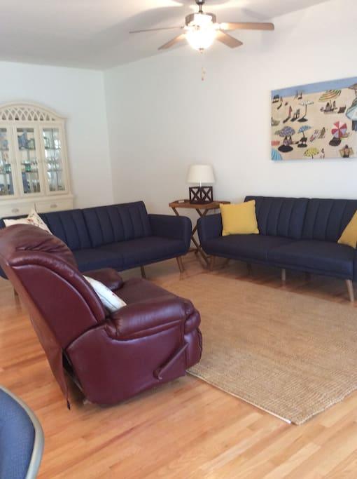 open living area; 2 futons