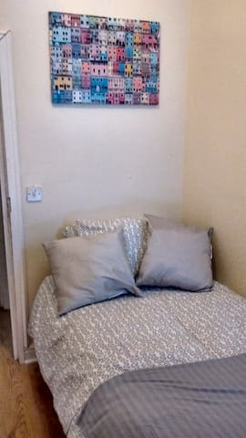 Derwent Street Apartment 1  - Self Catering - Single Room 2