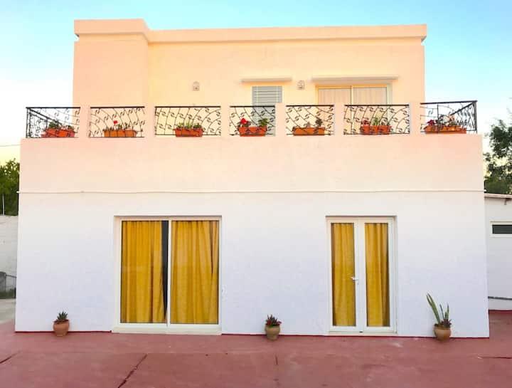 Private Villa Room, €300/month, laundry, wifi incl