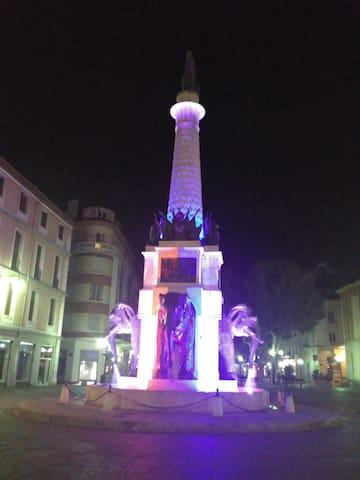 Logement entier lumineux au centre ville - Chambéry - Byt