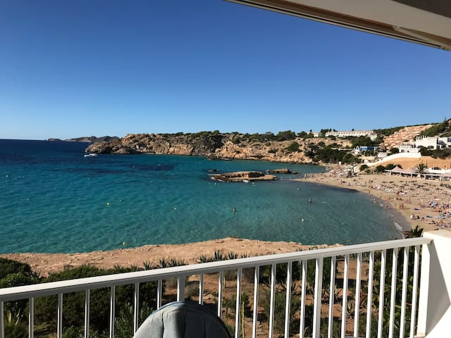 Cala Tarida beach house