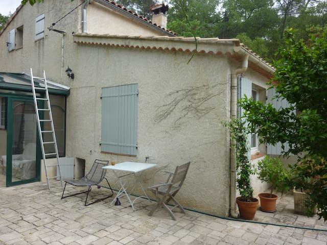 villa Margot - Le Tholonet - House