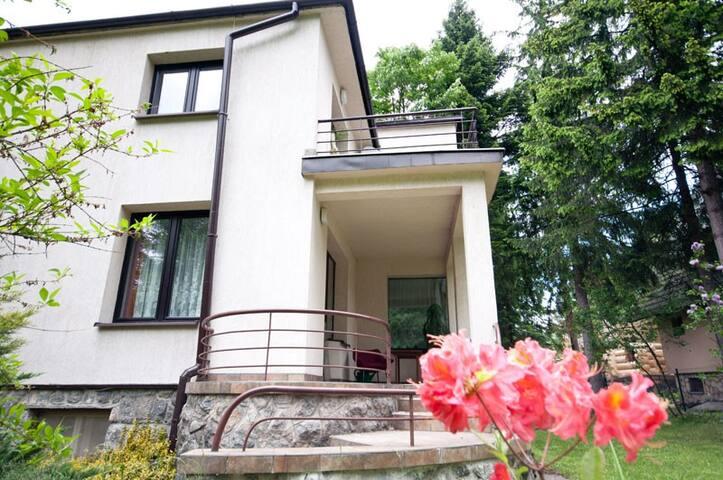 Apartament Willa-Wanda ul Bulwary Słowackiego 29a - Zakopane - Pis
