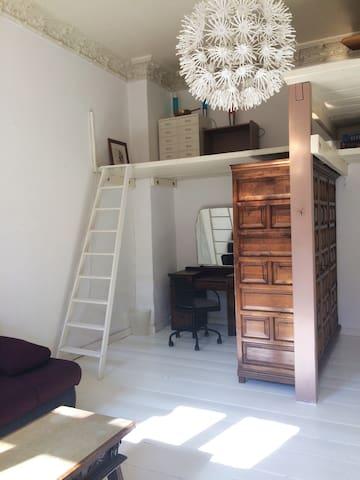 Zimmer mit Hochbett