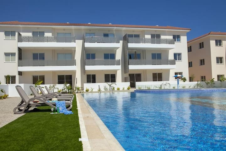 Saltos - Mythical Sands Resort - Paralimni, Cyprus