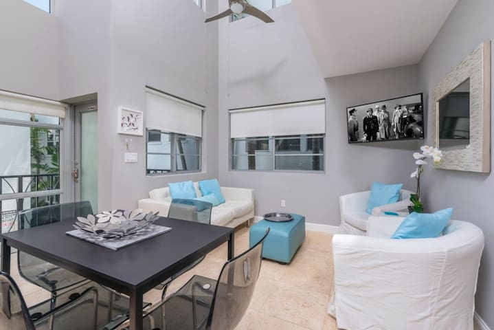 SERENITY BY THE SEA / STEPS FROM THE BEACH - Miami Beach - Huis