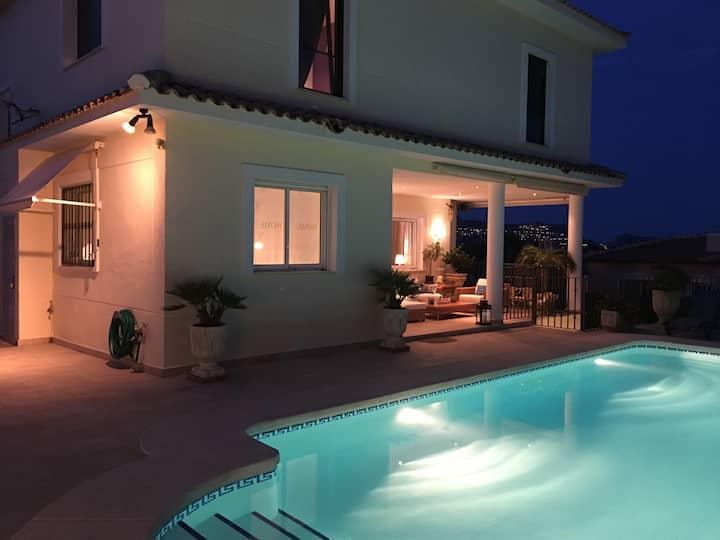 Villa mit wunderbarem Meerblick bei Altea