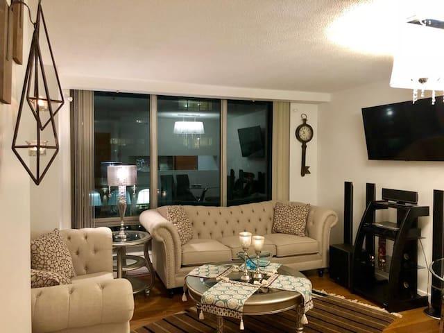 Fantastic new Furnished 1 Bedroom+den