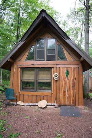 cozy off-grid cabin