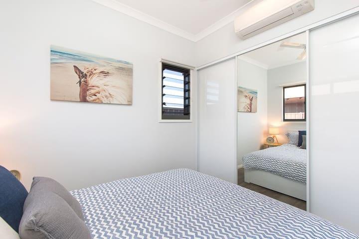 Sariago Settler Guest Suite- Bright, Quiet, 1 bdrm - Bilingurr