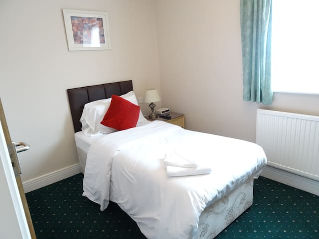 Aj Lodge, Single Room ensuite