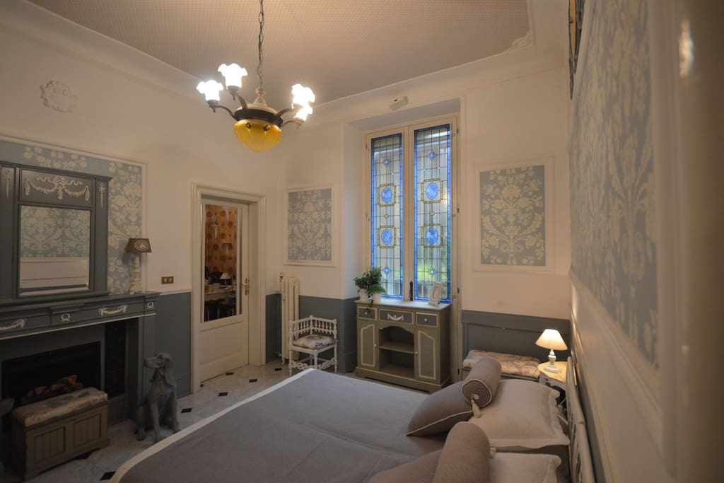 Camera matrimoniale trasformabile a 2 letti