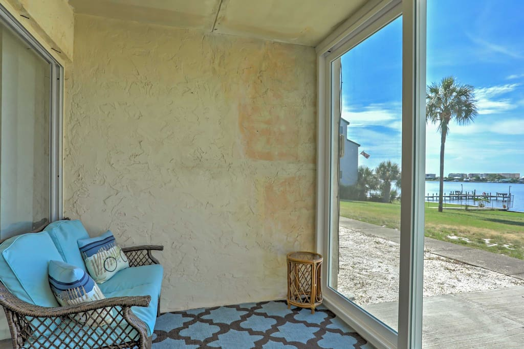 This condo faces out to the Intracoastal Waterway, offering stunning waterfront and sunset views.