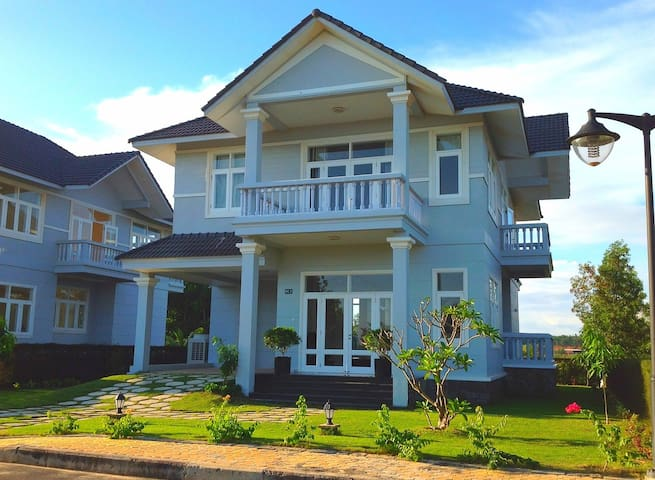 Luxury Beach & Golf Villa in Mui Ne - tp. Phan Thiết - Huis