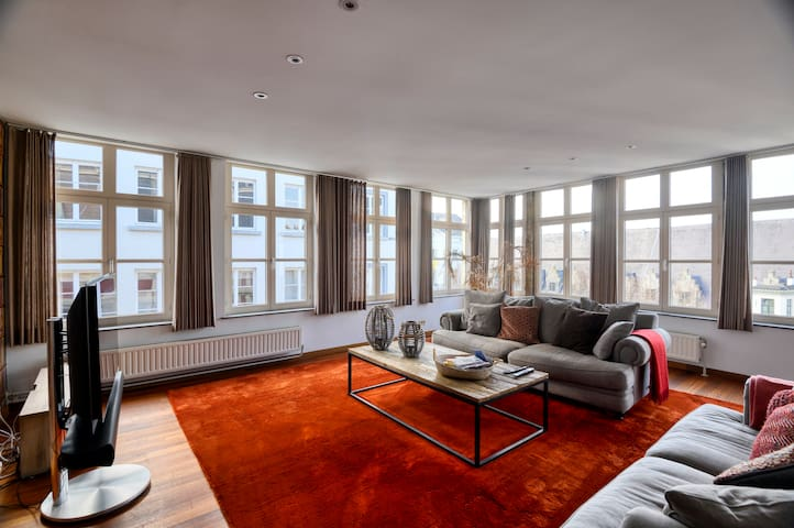 Spacious Apartment on Amazing Location in Ghent