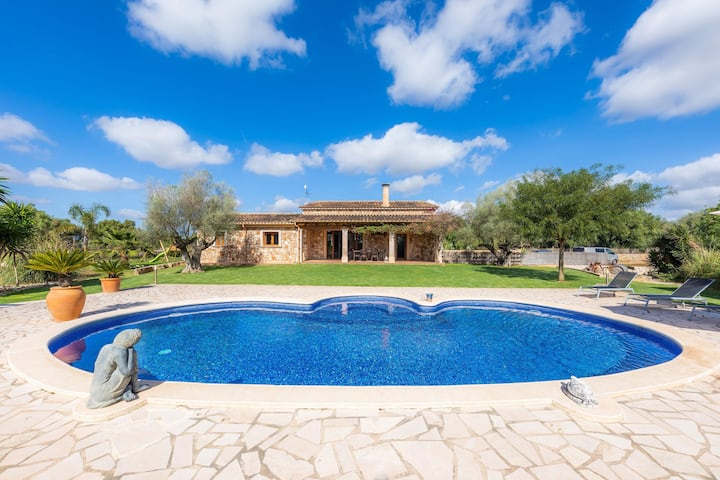 Fantastic Country House with Pool, Wi-Fi, Air Conditioning and Garden