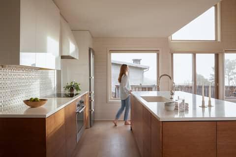 Suil Na Mara- Modern Coastal Home- Neahkahnie Mtn.