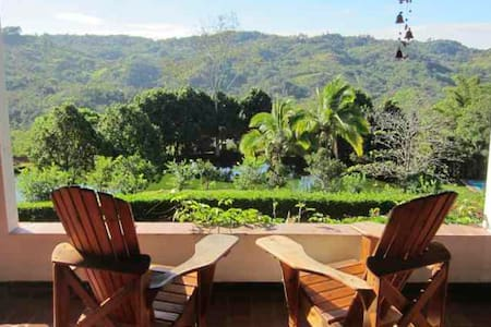Las Alturas B&B Estate Inn - Puriscal - Bed & Breakfast