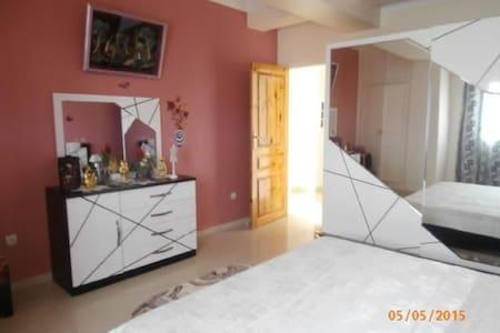 F3 dans Belle Résidence - BOUMERDES - 公寓