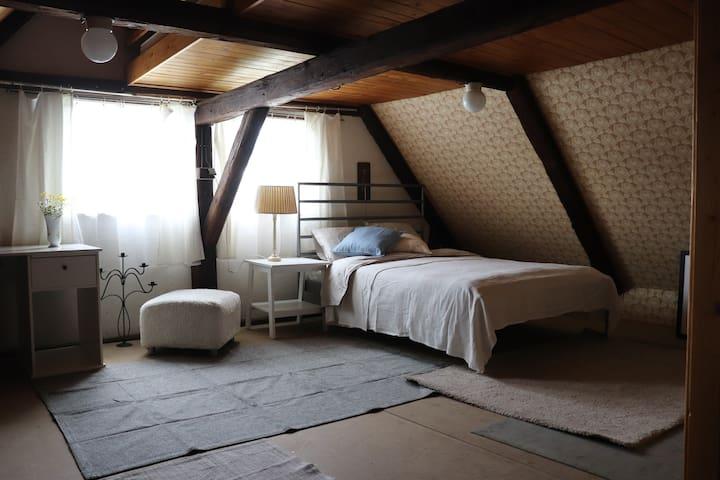 Ložnice v horním patře