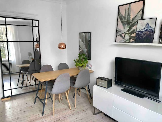Bright and charming apt. in trendy Frederiksberg