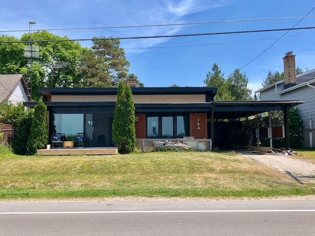 Mid-Century Bungalow Across from the Beach!