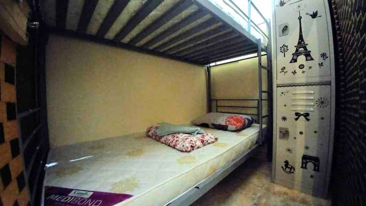 Backpacker's bed 1