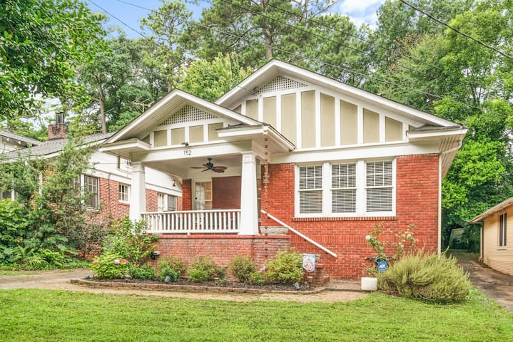 3 bed 1 bath Downtown Decatur renovated bungalow
