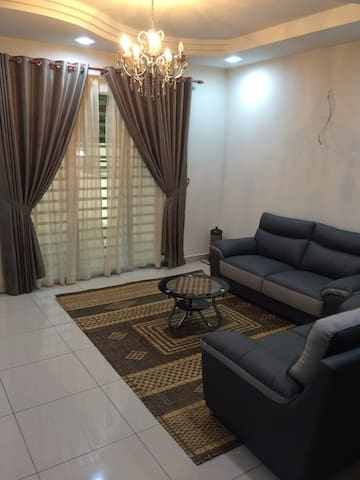Spacious & Affordable Homestay at Kepala Batas - Tasek Gelugor