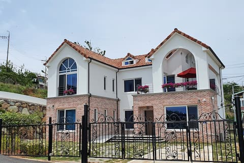 High-quality newly built country House, Ocean view