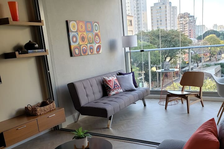 Brand New Studio Apt, Design, Moema