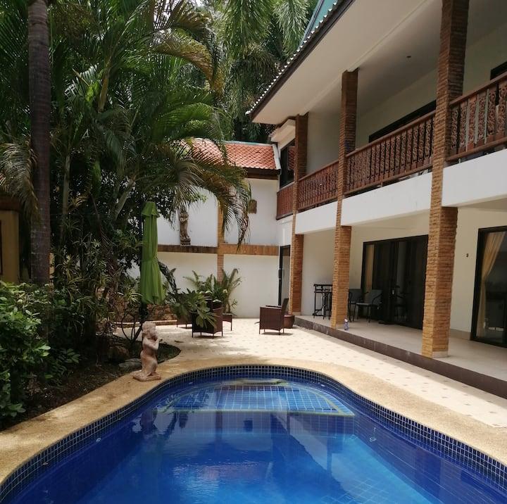 Villa Serena (24h Pool, near beach)